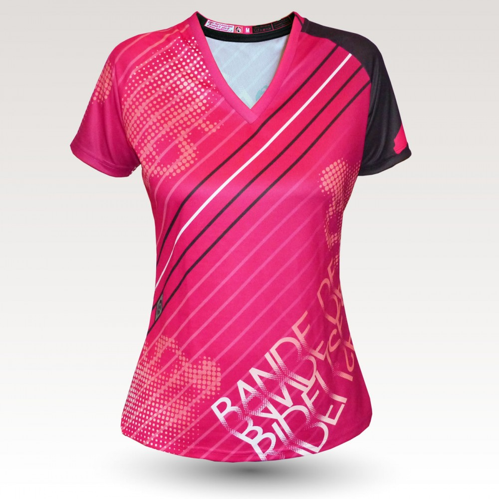 Birdy MC is an Original Mountain Biking Jersey designed by Band of Riders. Short sleeve, technical fabric and most comfortable jersey for women who do enduro and downhill cycling